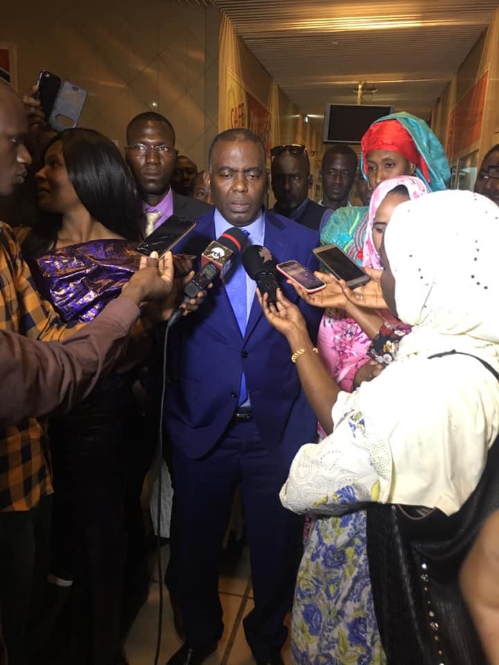 صورة المرشح بيرام يلتقي أعضاء مكتب إيرا دكار وينظم لقاء مع الصحافة السنغالية (صور)