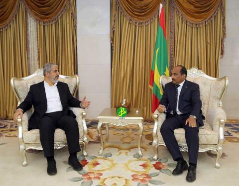 صورة خالد مشعل في ضيافة الرئيس ولد عبد العزيز(تفاصيل)