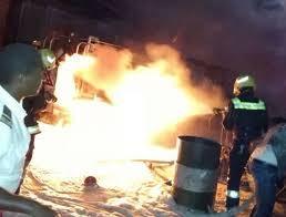 صورة أضرار مادية في حريق سوق التبتابات في تيارت(تفاصيل)