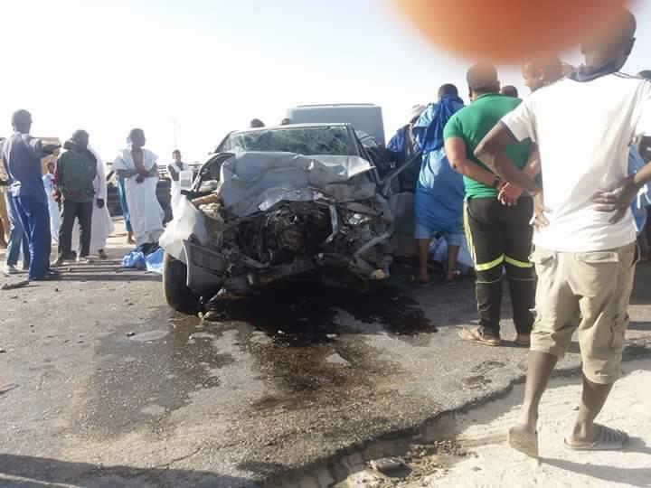 صورة حادث سير مؤلم :وفاة إمرأة و تعرض آخرين لجروح بالغة