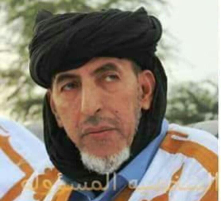 صورة العلامة الشييخ ولد حم يتحدث عن معملات الشيخ الرضى من منظور الشرع