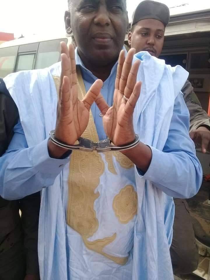 صورة مرشح سابق للرئاسة في فرنسا يدعو الى حملة دولية لاطلاق سراح النائب بيرام