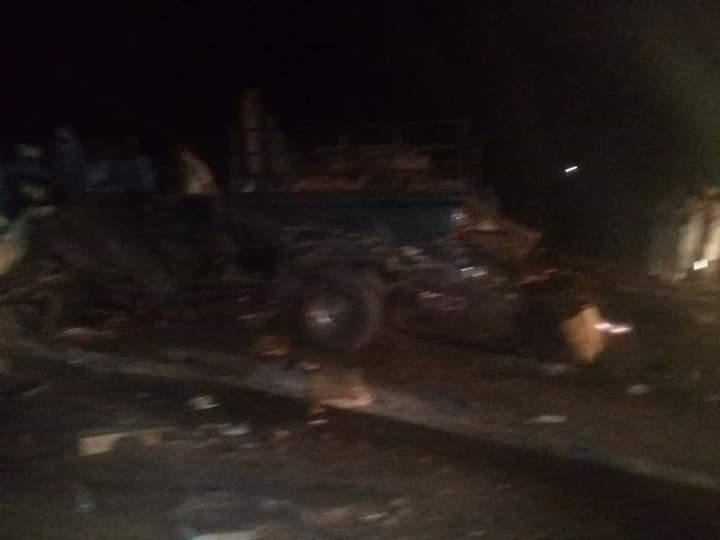 صورة قتيلان في حادث سير على طريق الامل (صور)