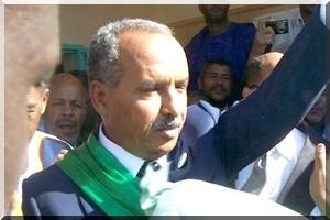 صورة ولد بايه : يلتقي بعض نواب المعارضة ويطلب منهم……(تفاصيل)