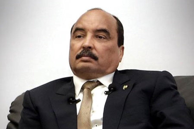 صورة ولد عبد العزيز : يؤسس شركة طبية ويسجلها بإسم مقرب منه (هويته )