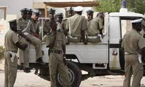 صورة خمسة موقوفين على إثر اختفاء أموال طائلة من مفوضية الأمن الغذائي (أسماء  )