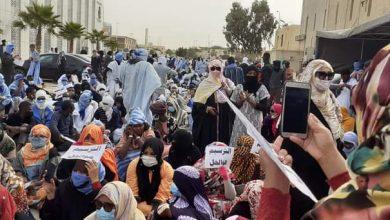صورة مقدمو خدمات التعليم يواصلون التظاهر(تفاصيل)