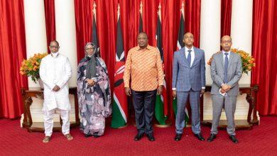 صورة بنت امبارك فال تقدم أوارقها سفيرة في كينيا (صور)